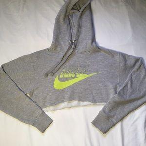 Cropped Nike Sweatshirt